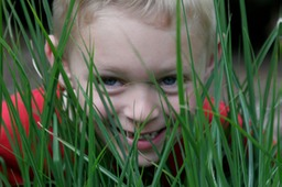 MG_2651boy-in-grass